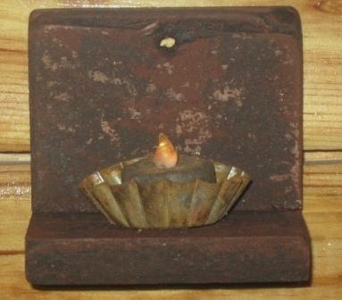 Tea Light Shelf, Black/Red